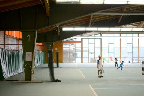 Sporthalle mit Nummerierung