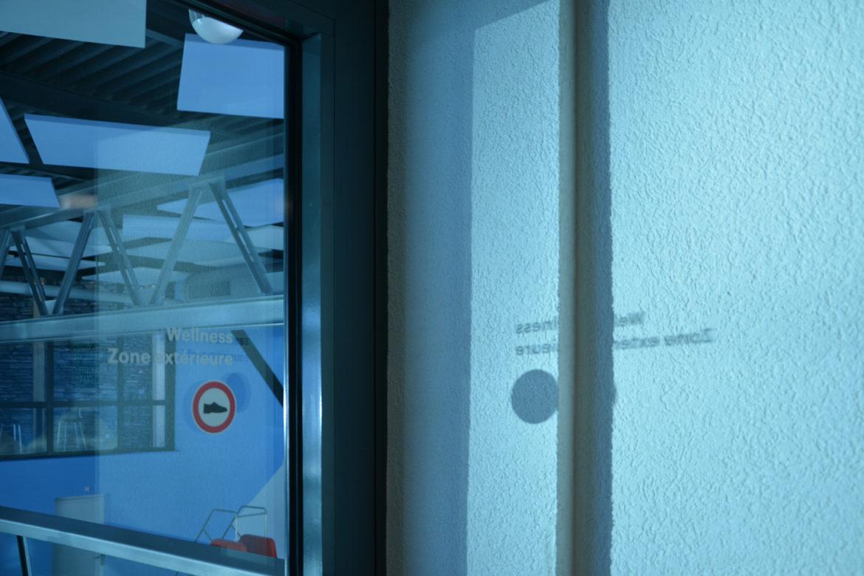 Orientierungshilfe auf Glastür